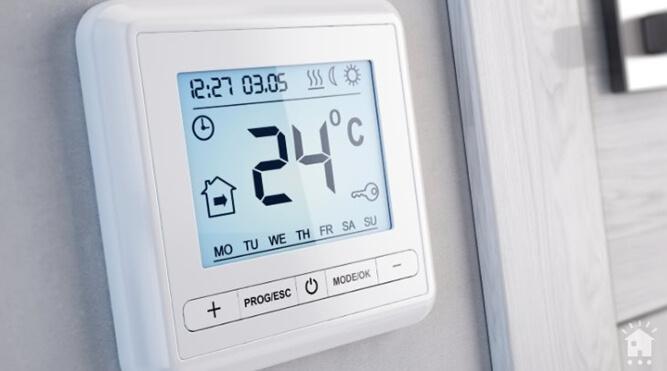 θερμοστάτης δείχνει το σωστό επίπεδο υγρασίας